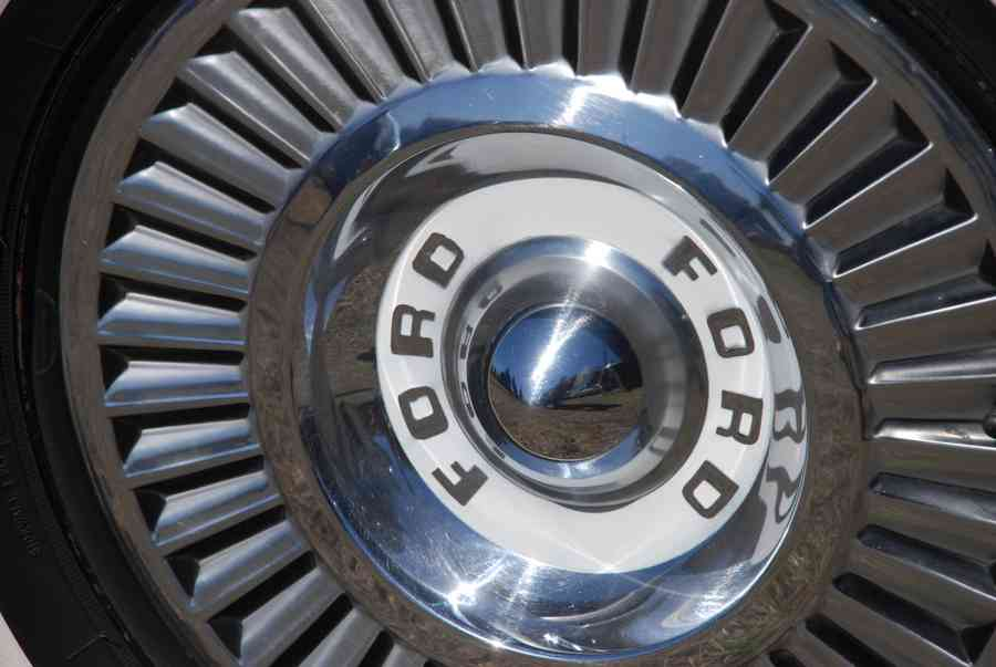 Dallas Classic Cars >> Ford Hubcap on Classic Car - Brian Humek Photography